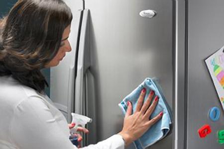 3 bước đơn giản vệ sinh tủ lạnh 1