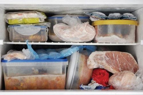 Không nên để thịt tươi sống quá lâu trong tủ lạnh