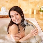 Có cần tắt bình nóng lạnh trước khi tắm?